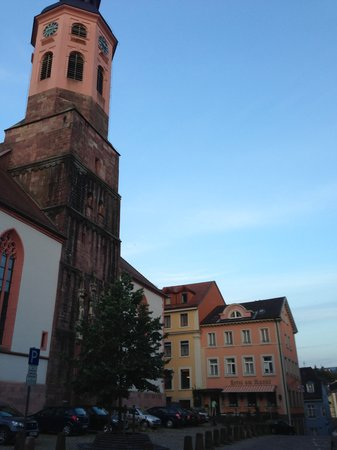 Hotel am Markt: Church and hotel