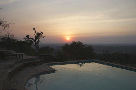 Serengeti Simba Lodge : Sunset