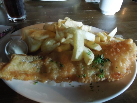 Dino's: fish and chips