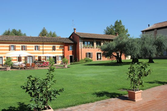 Musella Winery & Country Relais: main building