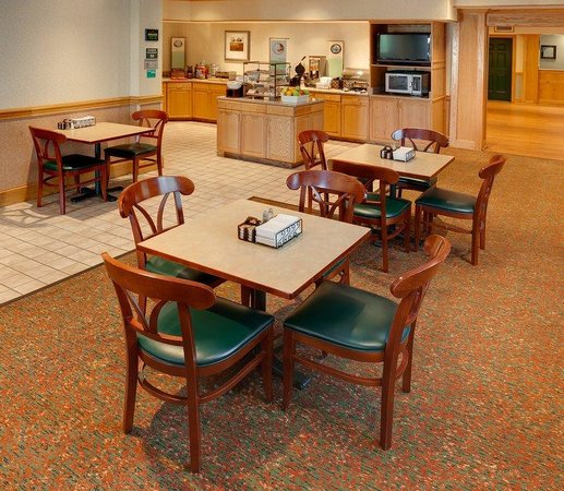 Country Inn & Suites By Carlson, Columbus Airport East: Breakfast Room