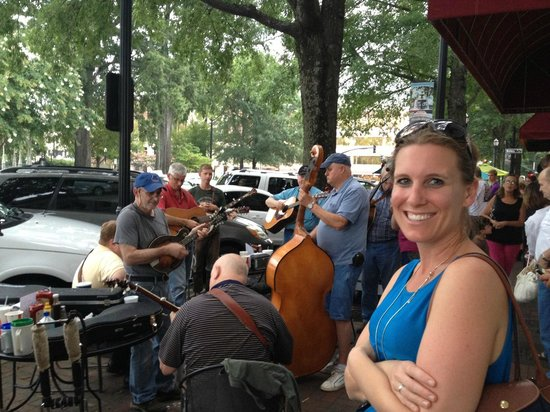 Marietta Square: Tuesday evening bluegrass jam on the Square