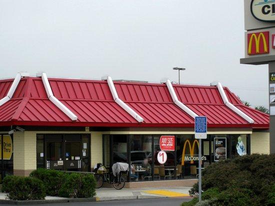 Average McDonalds - Review of McDonald\'s, Crescent City, CA ...