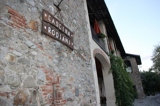 Cascina Rodiani - Green Hospitality: enternce