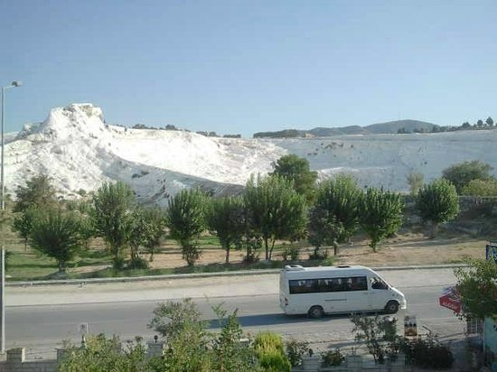 Alida Hotel Pamukkale: View from the roof restaurant - nice breakfast view