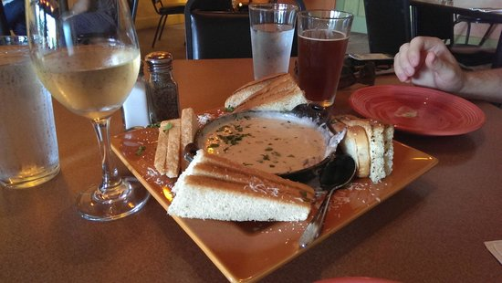 Fat Olives Restaurant : Fondue - try this!