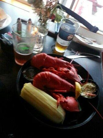 Robinson's Wharf : 2 1 lb lobsta