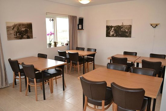 Lambastadir Guesthouse: The comfortable dining room