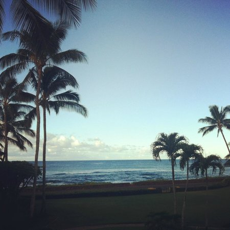 Poipu Kapili: Early-evening view from our lanai