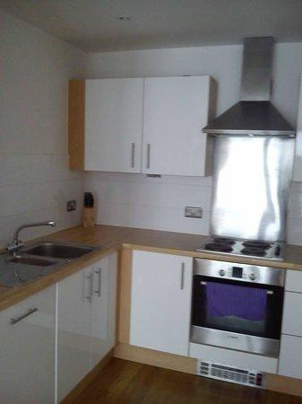 Meridian Terrace Serviced Apartments: Kitchen