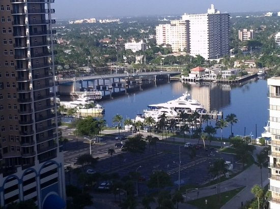 Fort Lauderdale Beach Resort: vista al rio
