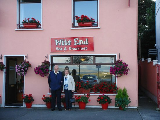 Wits End B & B : Mum and Dad enjoying their stay at Wits End