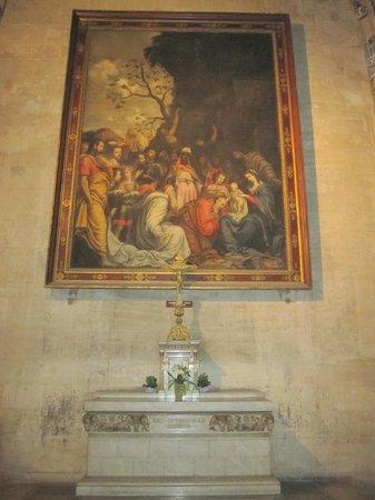 Cathedral Saint Jean Baptiste: Altar interior.
