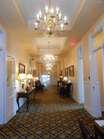Federal Pointe Inn, an Ascend Hotel Collection Member: Main hallway outside Room 204