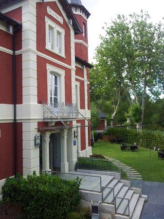 Hotel Villa Paulita: fachada del hotel desde la habitación