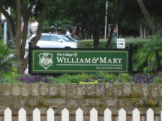 The College of William and Mary : William and Mary College Campus