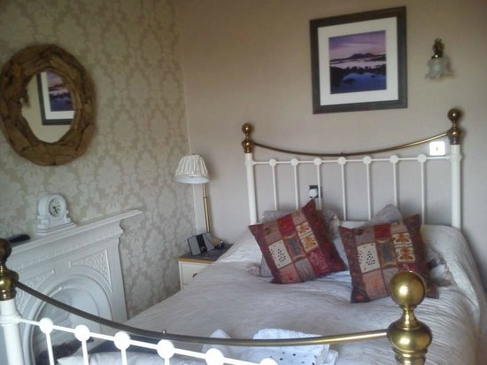 Invernevis B&B: Double Bedroom with comfy bed