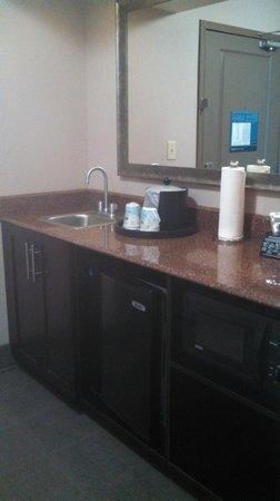 Hampton Inn & Suites Richmond/Glenside: 2nd Room 405 I think...