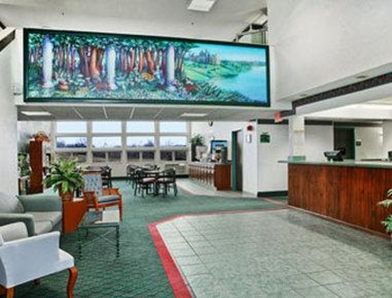 Days Inn of Clare : Lobby