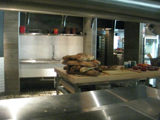 Culinary Dropout At Hard Rock Hotel : fresh breads