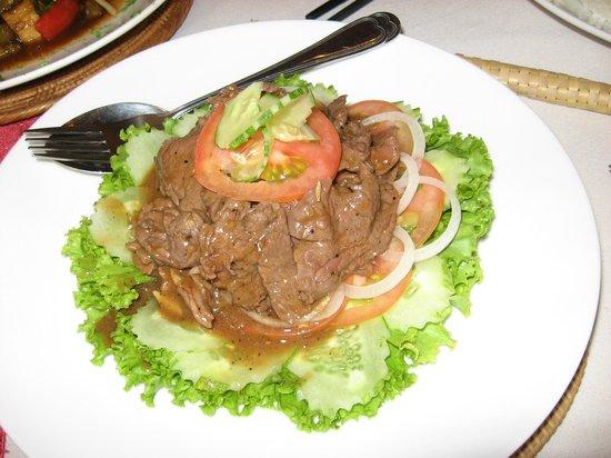 Bopha Angkor Restaurant: Lok lak