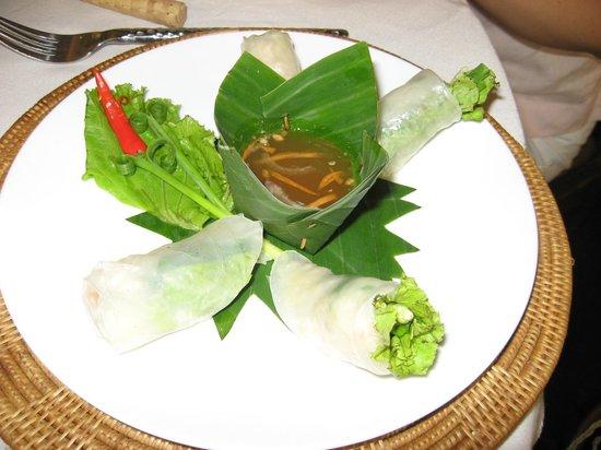 Bopha Angkor Restaurant: Spring rolls
