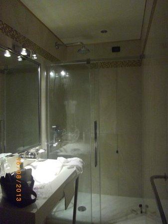 Hotel Tre Archi: Baños nuevos