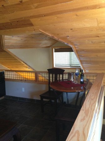 Chalet View Lodge: Upstairs