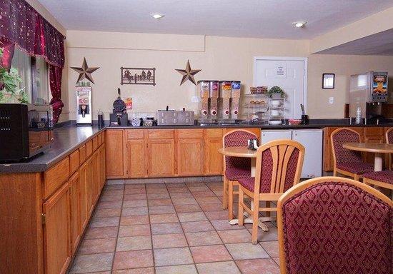 Red Roof Inn Amarillo East: Breakfast Area