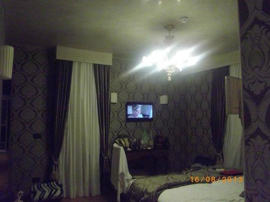 Hotel Tre Archi : Dormitorio veneciano