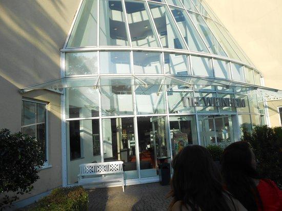 NH Weinheim: Entrada Hotel