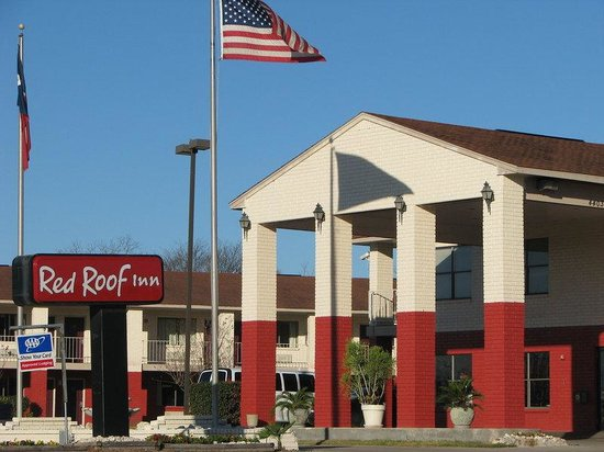Red Roof Inn San Antonio I-10 East : Inn Exterior