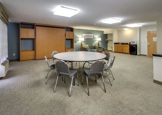 Sleep Inn & Suites: meeting room