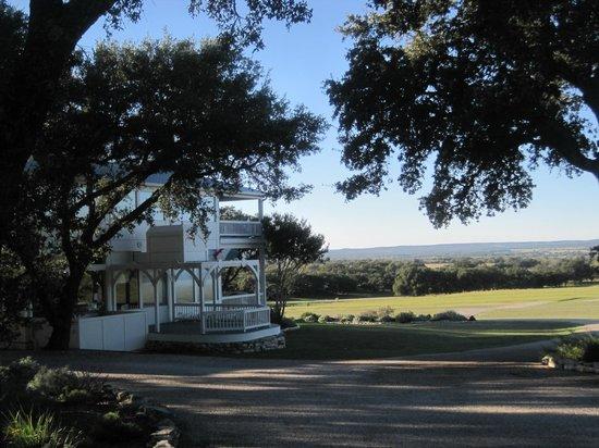 Rose Hill Manor : Beautiful country vistas.