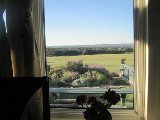 Rose Hill Manor : Impressive view from 'Rosemary' cottage.