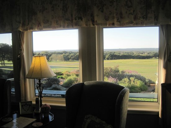 Rose Hill Manor : Texas Hill Country views...