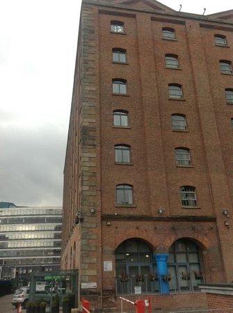 The Place Aparthotel: aussenansicht