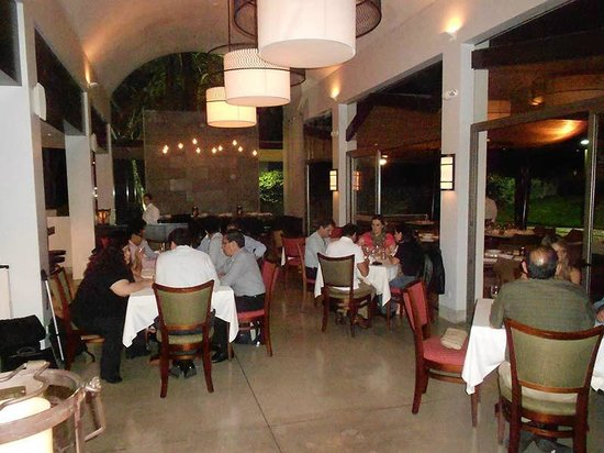 Andiamo La : Here's the main dining room -- modern, clean, elegant, fun; simply delightful