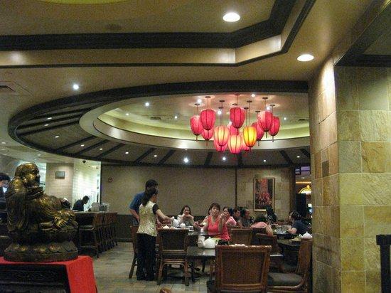 Ping Pang Pong: interior