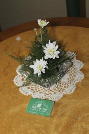 Diamond Cliff Resort and Spa: Fresh Flowers