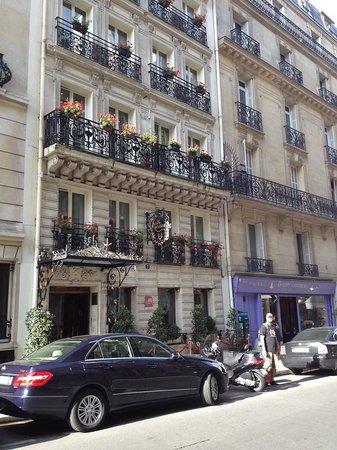 Hotel Kleber Champs-Elysees Tour Eiffel Paris: Front outside view
