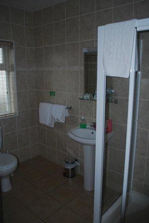 Harbour View Bed & Breakfast: Bath