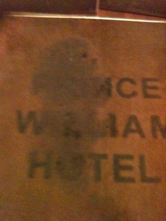 Prince William Hotel : Entrance of the hotel - this should be looking excellent!