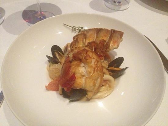 Gustino : fresh seafood sautéed with garlic