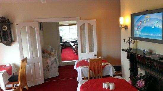 Harbour View Bed & Breakfast: Breakfast room and sitting rooom
