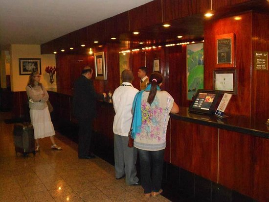 Barcelo San Jose : Blame where blame is due: you will ALWAYS see people at the check-in desk, begging for service