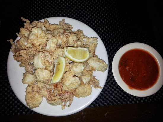 Shipwreck Bar & Grill: Fried calamari