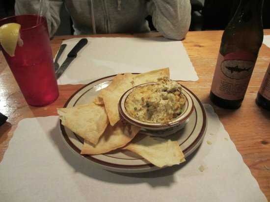 Don's Seafood Restaurant: Very HEARTY crab dip! They don't skimp on the crab!