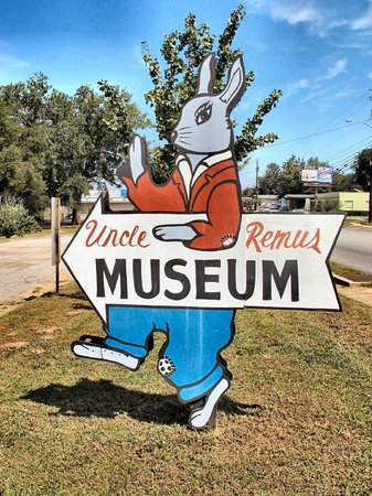 Uncle Remus Museum: Brer Rabbit Greeter