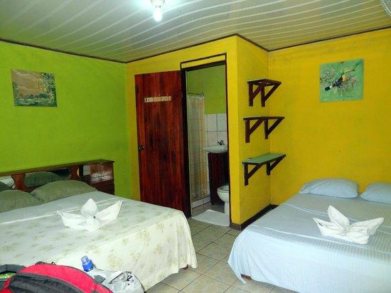 Cabinas El Icaco Tortuguero : A room, basic